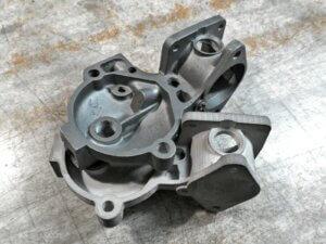 3D tisk části motoru vrátil závodní speciál zpět natrať