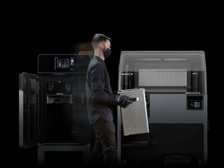 Přenos tiskové komory u SLS 3D tiskárny Formlabs Fuse 1