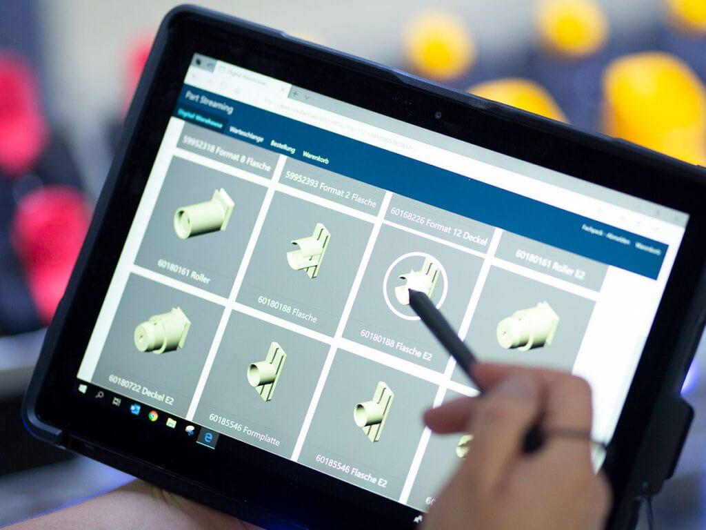 Kdykoli klienti společnosti Schubert potřebují nové nástroje, jednoduše si projdou digitální sklad, zvolí správný model a vytisknou ho na 3D tiskárně