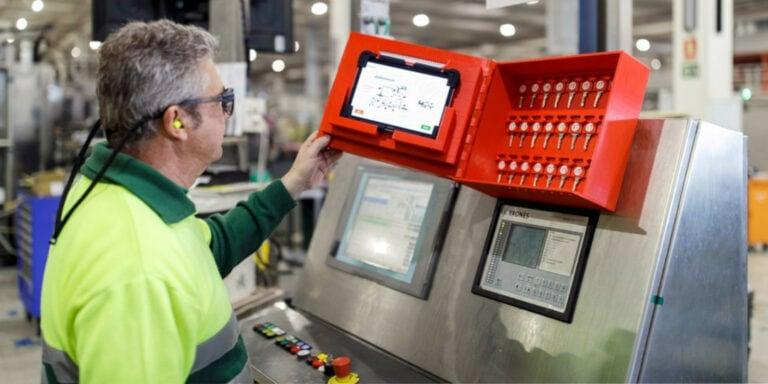 Na míru vytištěná skříňka na klíče v provozu Heineken